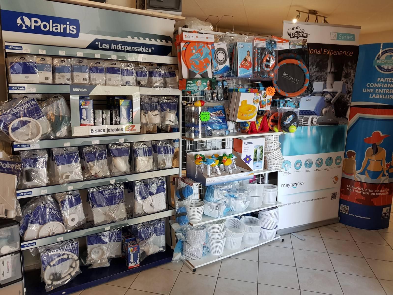 large choix de couleurs et de dessins lacer dans magasin britannique Magasin de produits pour piscine sur Marseille - FERRE PISCINES