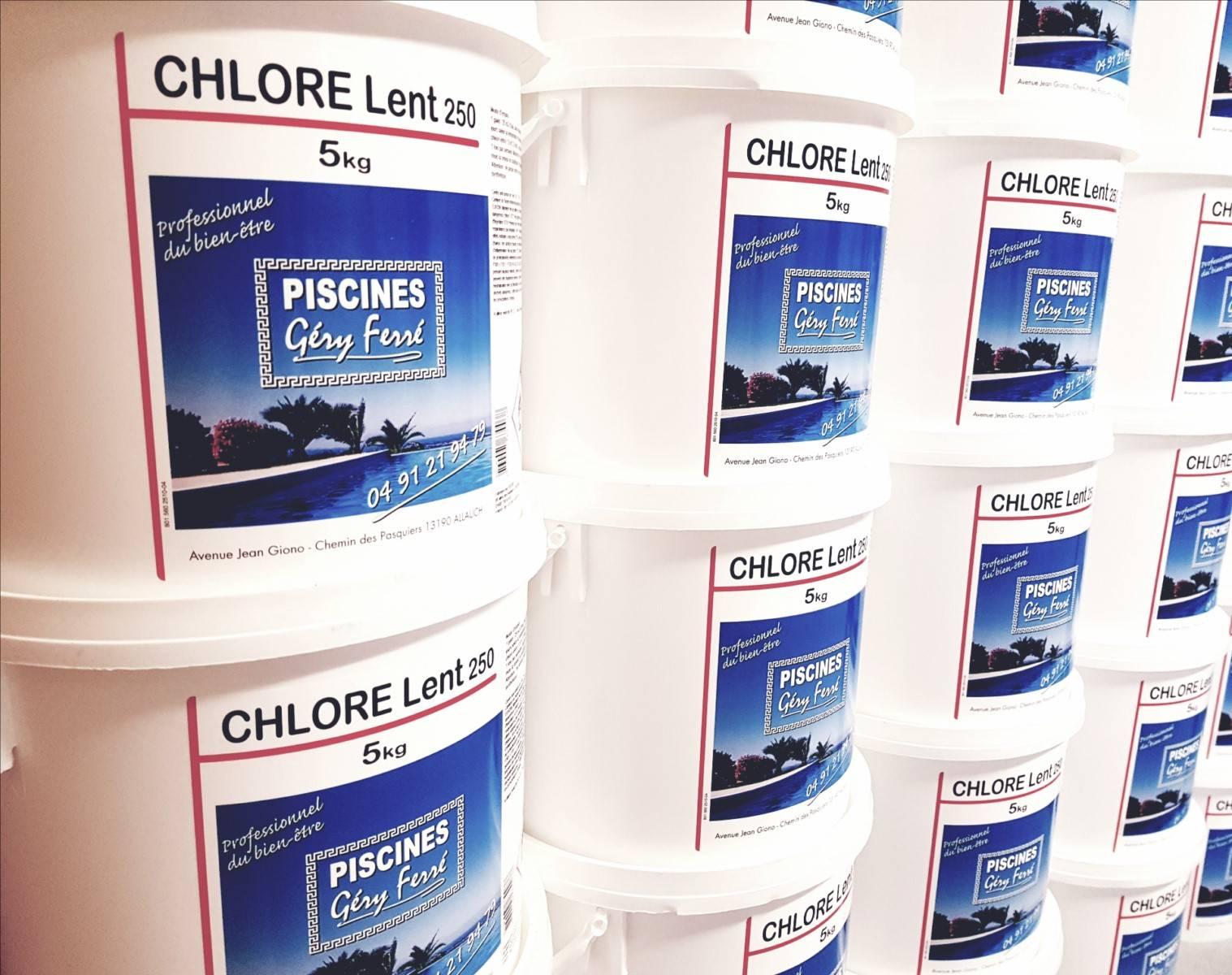 Produit d sinfectant pour eau de piscine sur marseille for Produit pour piscine