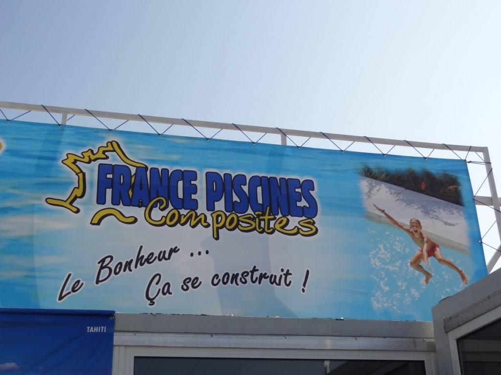 FERRE PISCINES sur le stand FRANCE PISCINES COMPOSITES à la foire de Marseille au mois de septembre