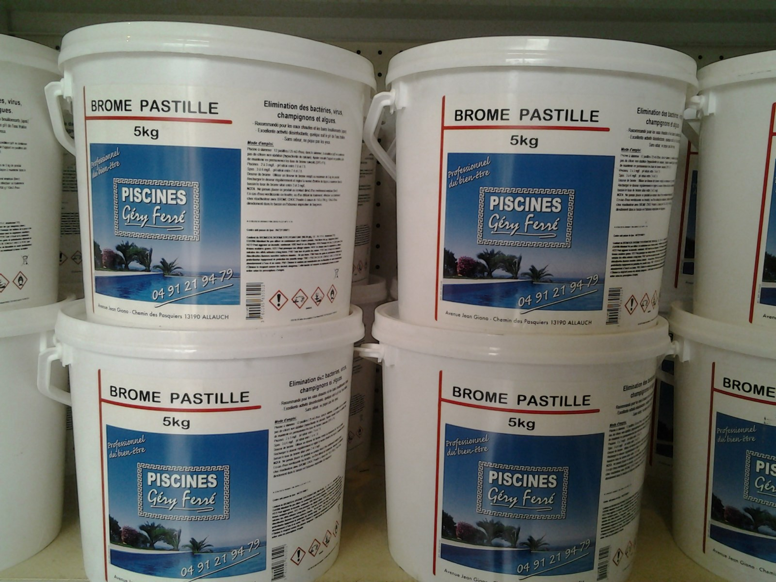 Brome lent pastilles 20g ferr piscines 5kg le magasin for Piscine brome cancer