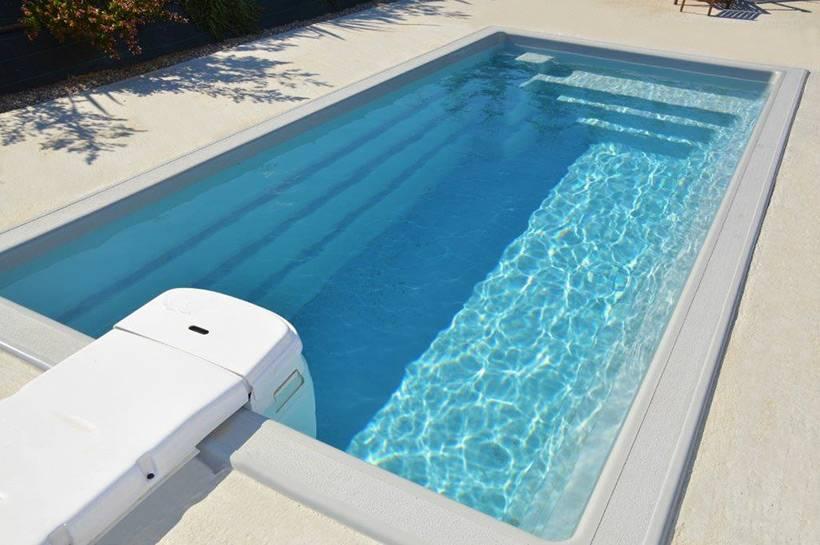 Vente de mini piscines coque polyester sur marseille for Vente de piscine