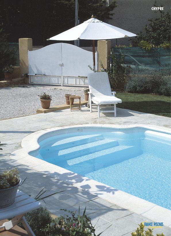 piscine coque polyester axeo 670 bf ferr piscines. Black Bedroom Furniture Sets. Home Design Ideas