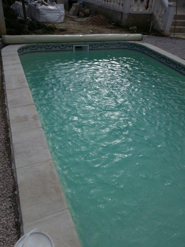 Coque polyester declic 730 nos piscines constructeur de for Constructeur piscine coque
