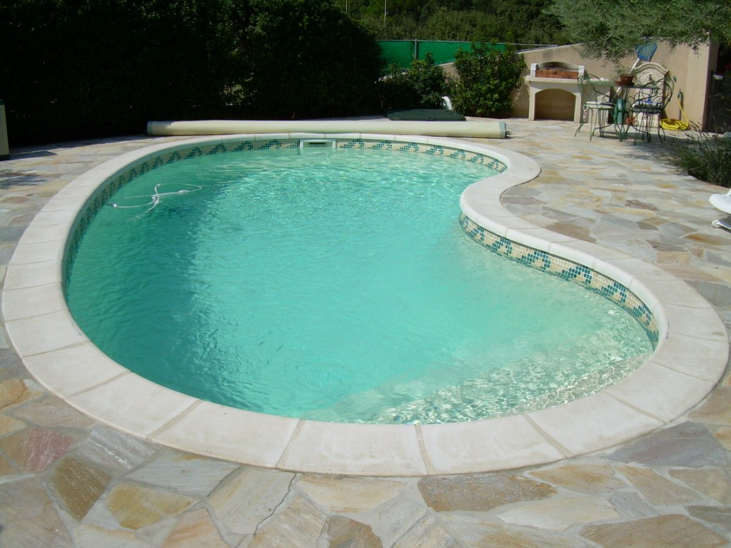 Piscine constructeur construction d 39 une piscine for Construction piscine france