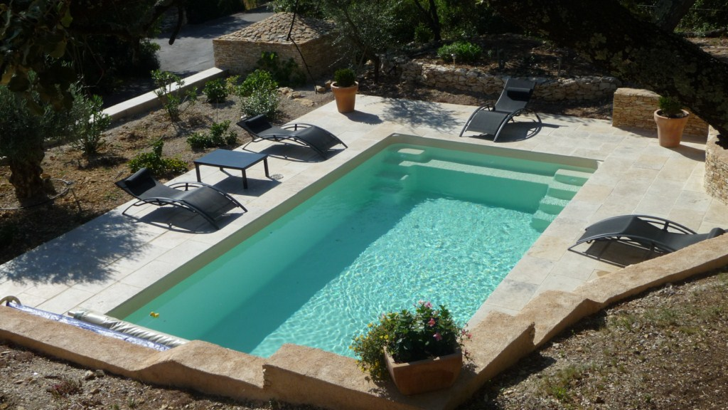 Vente de piscines france piscines composites coque for Piscine fond beige