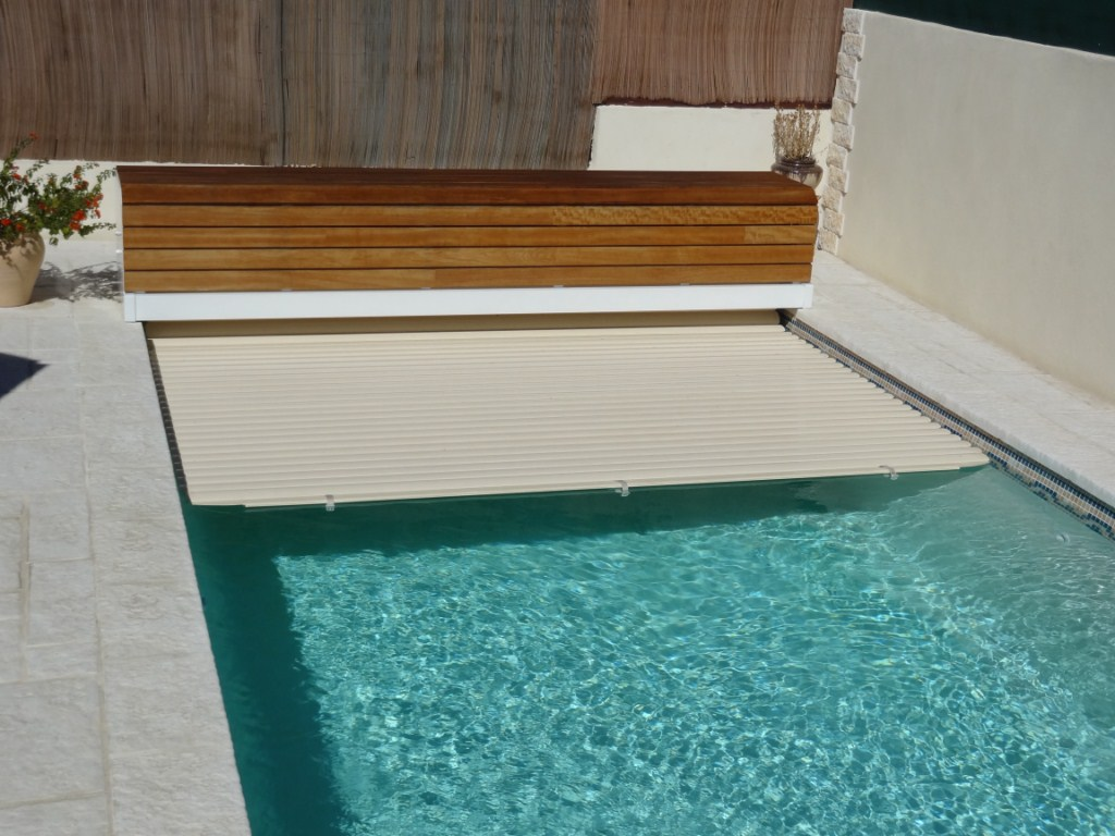 Coque polyester kit acores france piscines composites nos for Prix coque de piscine