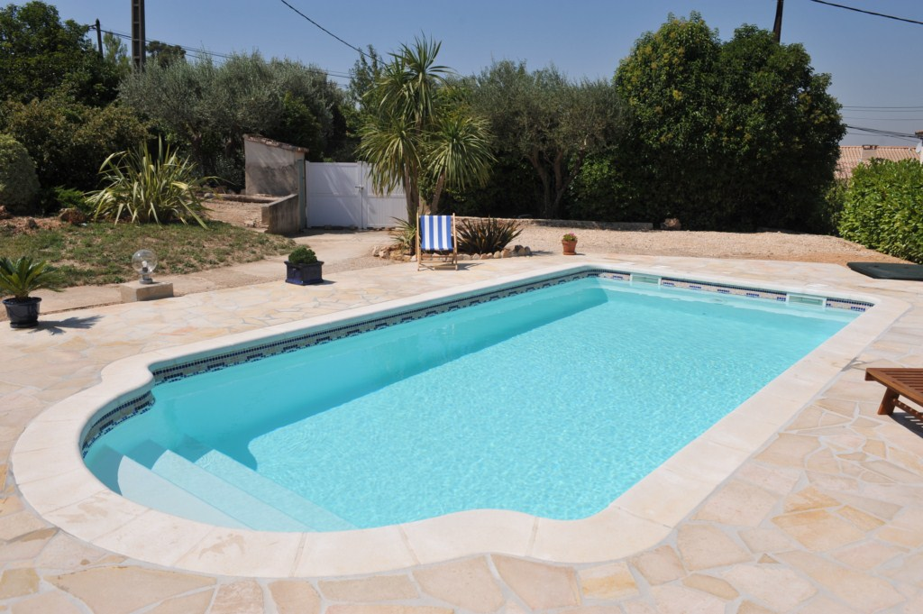 Piscine kit coque polyester crete france piscines for France piscine