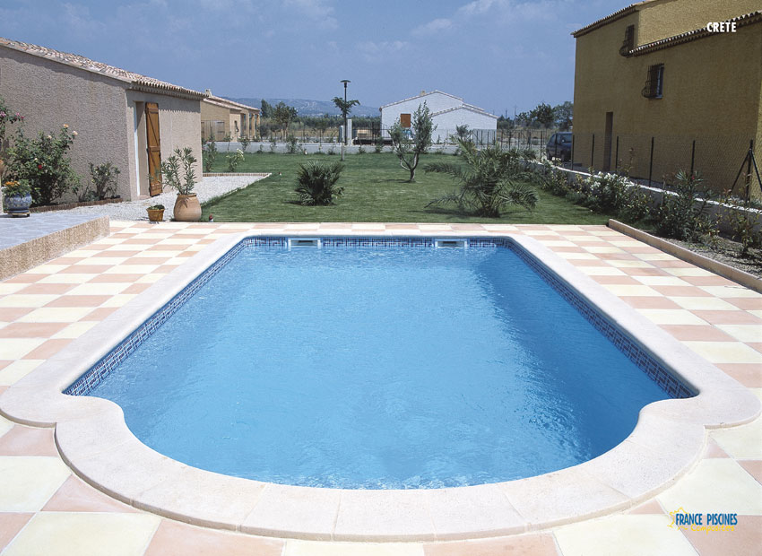 Piscine en kit polyester for Piscine polyester prix
