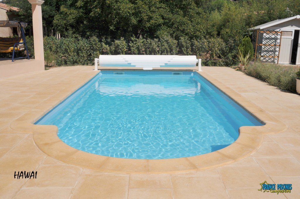 Piscine kit coque polyester hawai france piscines for Constructeur piscine coque