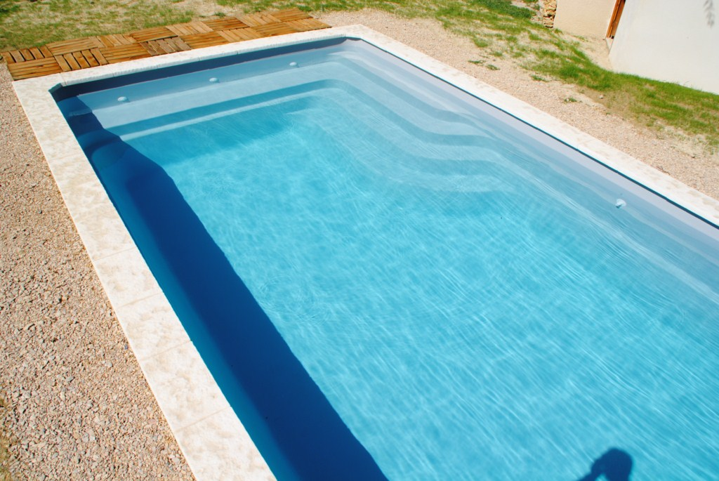 Piscine coque 9 4 rw51 jornalagora for Coque piscine polyester