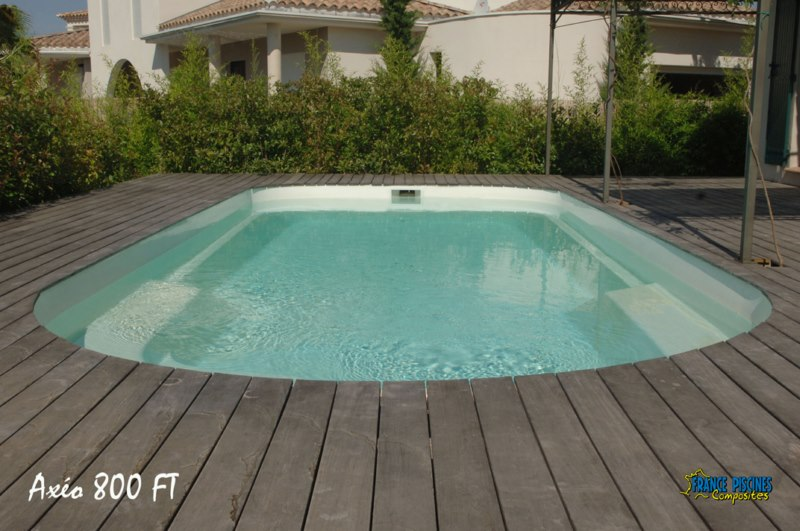 Vente de piscines france piscines composites coque for Prix piscine polyester posee