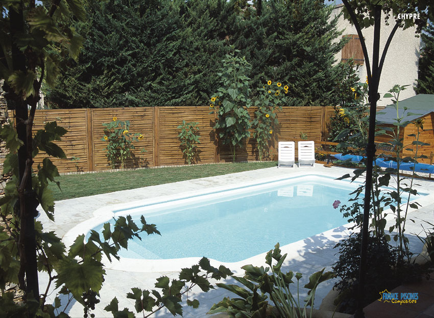 Piscine kit coque polyester chypre france piscines for Kit coque piscine