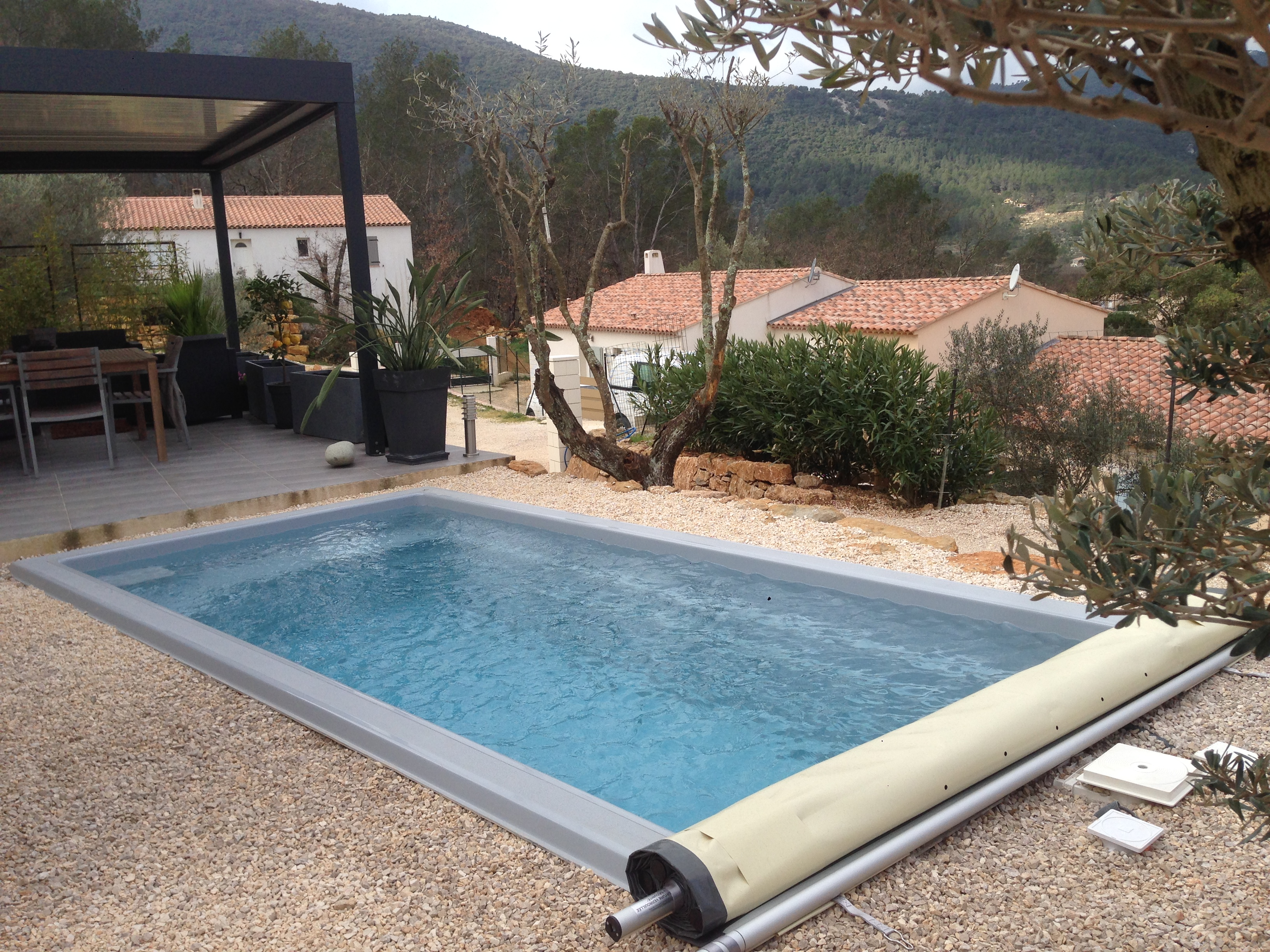 Mini piscine avec filtration traditionnelle nos piscines for Piscine sol amovible