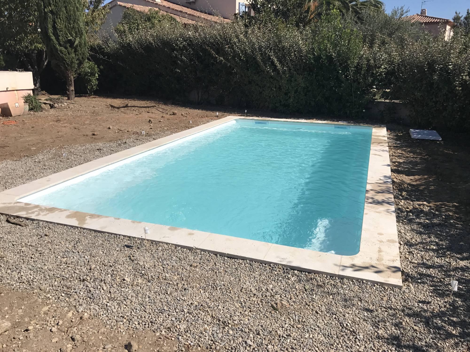 vente de piscines harmony pool coque polyester marseille ferr piscines. Black Bedroom Furniture Sets. Home Design Ideas