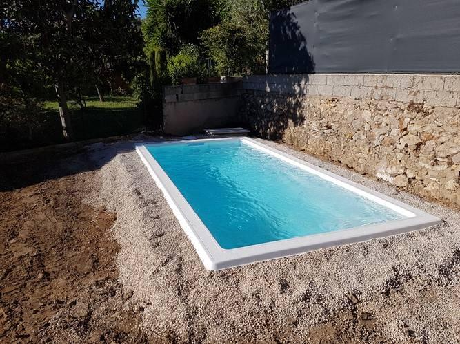Mini piscine avec filtration traditionnelle ferr piscines - Mini piscine coque prix ...