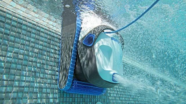 Robot Dolphin Maytronics