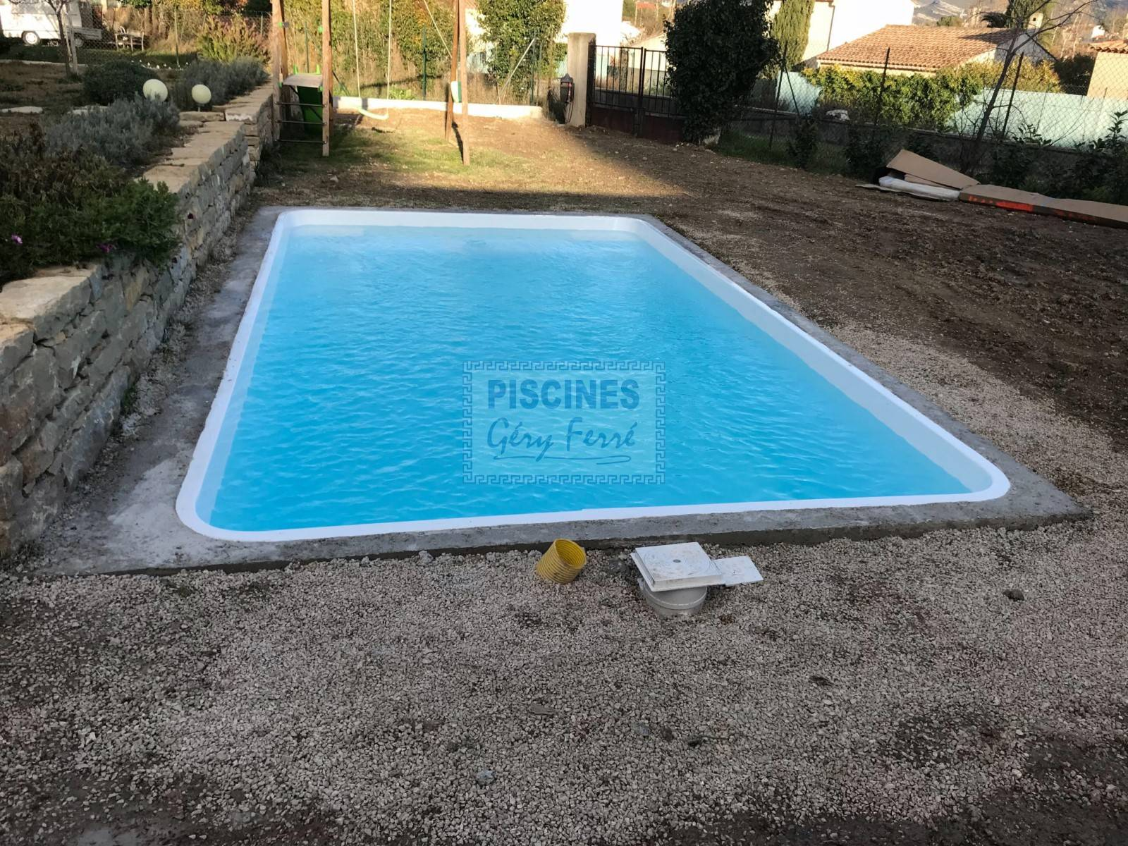 pose coque polyester Ferré Piscines 13