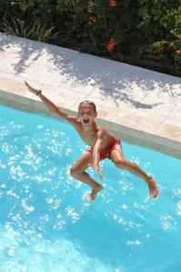 C'est à vous de plonger ! Ferré piscines Allauch 13