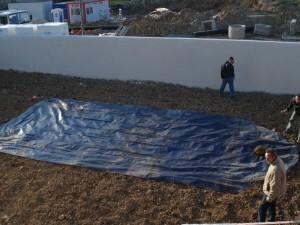 Bâche de traçage du terrassement de la piscine