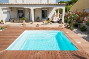 Piscine pour mini jardin modèle MAYOTTE France Piscines Composites ISTRES