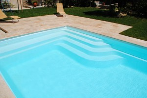 piscine coque polyester BALI France Piscines Composites 13