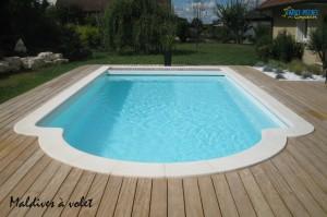 Piscine avec couverture immergée modèle MALDIVES Ferré piscines 13